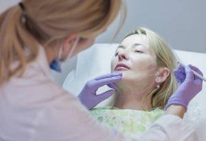 tratamiento de ojeras con acido hialuronico